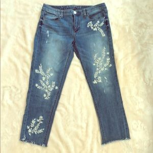 WHBM 'The Girlfriend' embroidered jeans!